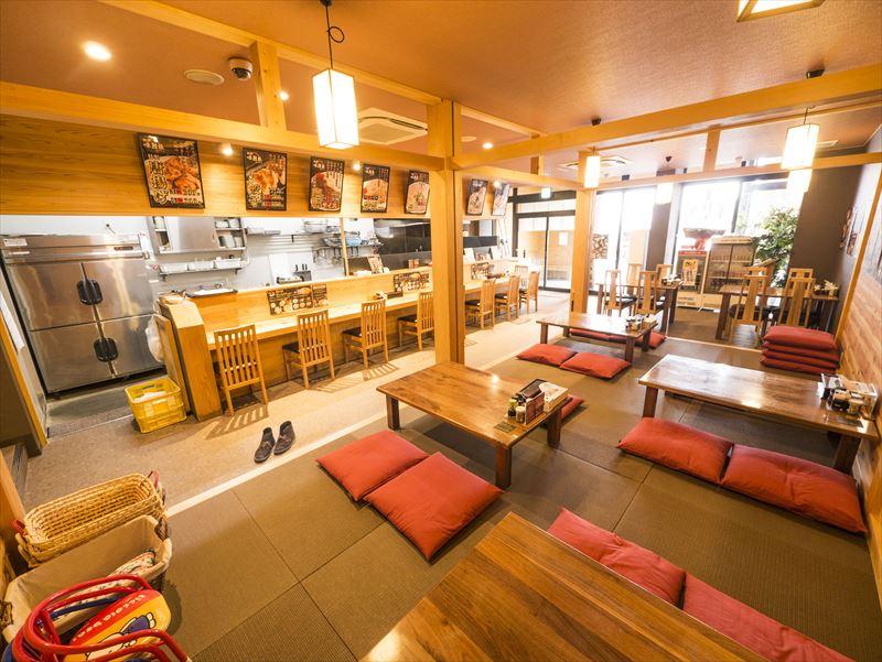 新潟市中央区のらーめん屋、麺屋味勲拉の店内写真
