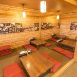 新潟市中央区のらーめん屋、麺屋味勲拉の店内小上がり